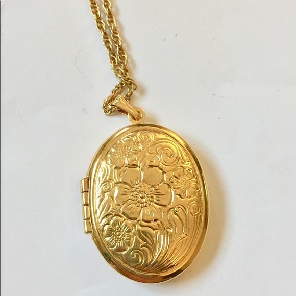 Vintage gold locket necklace for Denise